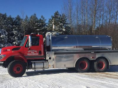 2850 Gallon Raven on an International 7400 chassis